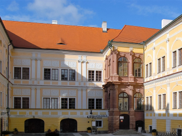 Nádvoří zámku Vlašim
